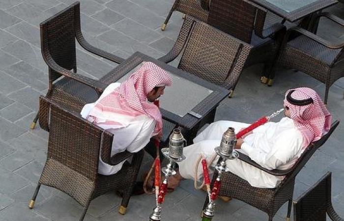 سبب يدفع حكام الخليج لمنع «الشيشة» في بلدانهم