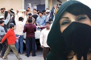 بالفيديو.. فتاة سعودية تطالب بطرد الوافدين من الشركات وترحيلهم عن البلاد لهذا السبب الصادم!
