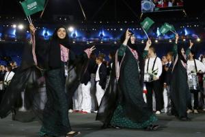 السعودية : فرحة كبيرة في الشارع السعودي من قبل النساء والفتيات في المملكة