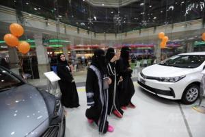 السعودية الأن / مستثمرون: ركود مبيعات السيارات بنسبة 85% وتوقعات بتعافيها بعد قيادة المرأة